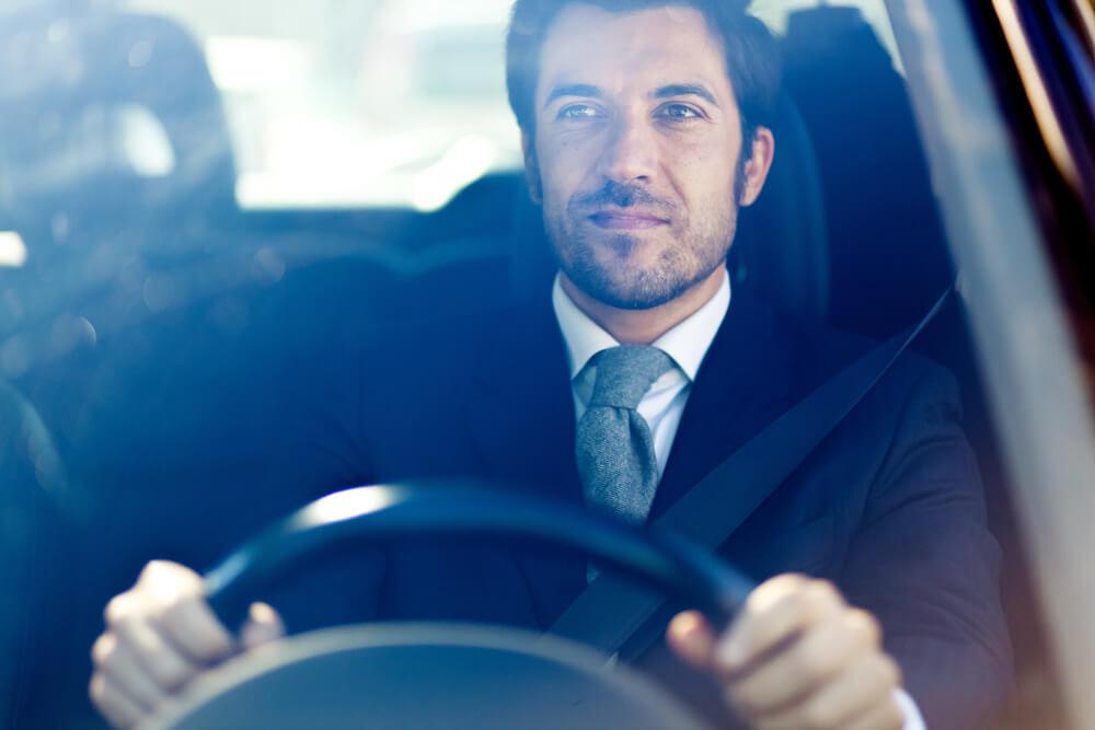 Niko ne vozi kao Ovnovi, Lavovi su najluksuzniji – Kakvi su vozači horoskopski znakovi?