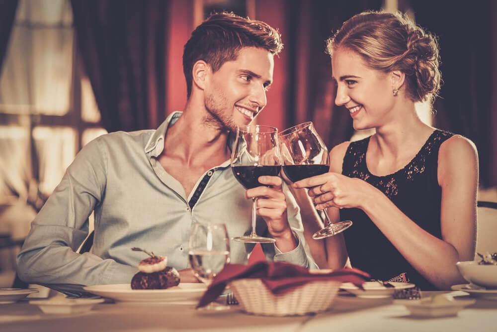 4 znaka da muškarac želi još da se viđa sa vama nakon prvog sastanka