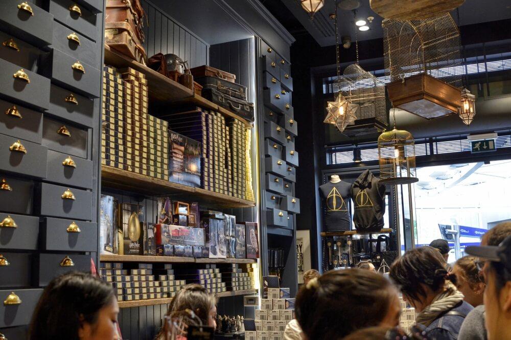 Otvorena najveća prodavnica posvećena Hariju Poteru