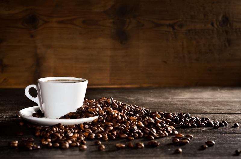 Znakovi koji pokazuju da preterujete sa kafom