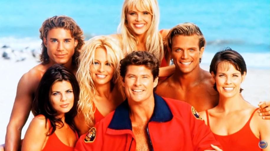 """Ultra popularne tokom devedesetih – Evo kako danas izgledaju lepotice iz serije """"Čuvari plaže"""""""