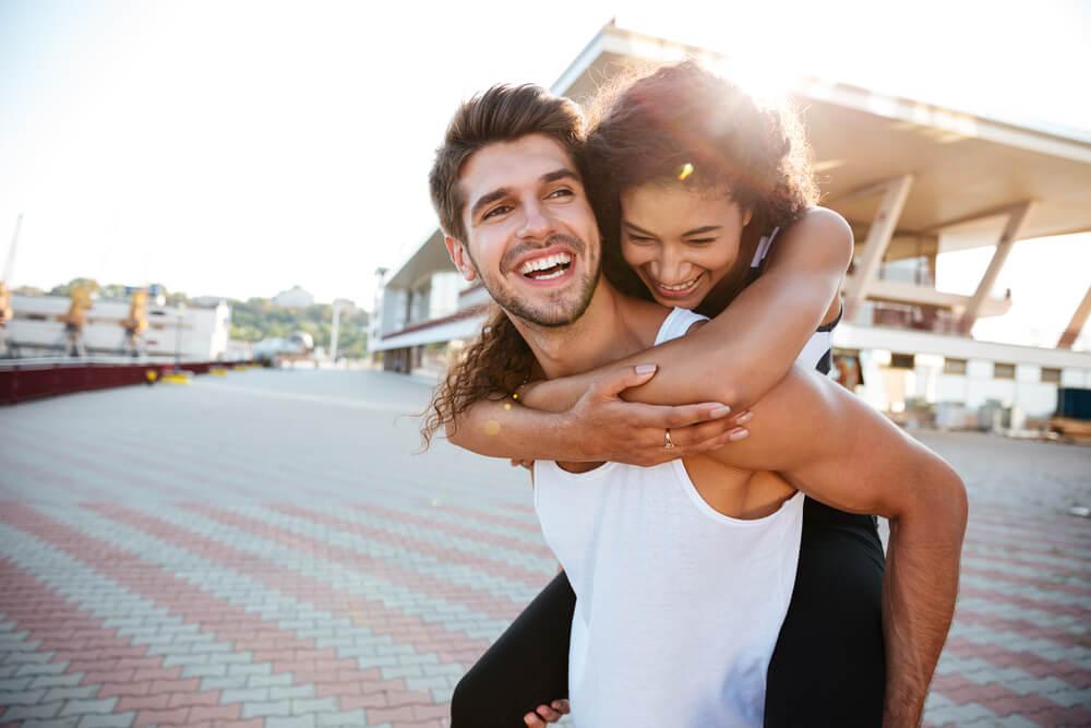 Smeh za održavanje veze – evo zašto je humor veoma bitan za uspeh veze