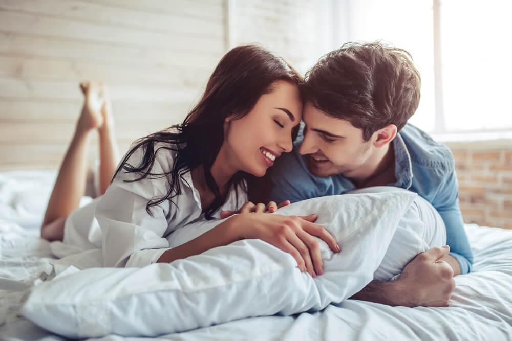 Muškarac otkrio formulu za uspešan brak – Pravilo 2-2-2 za godine blaženstva