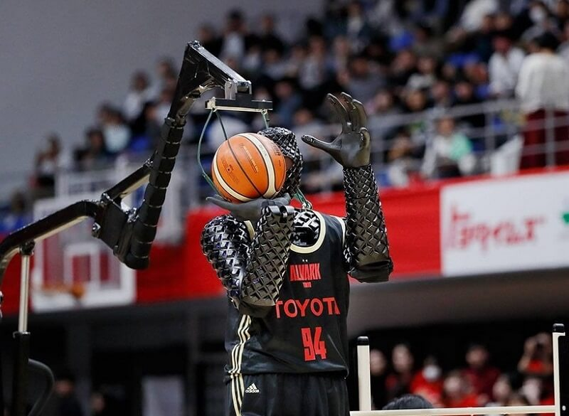 Hit na Olimpijskim Igrama – robot pogađa iz svih pozicija na košarkaškom terenu