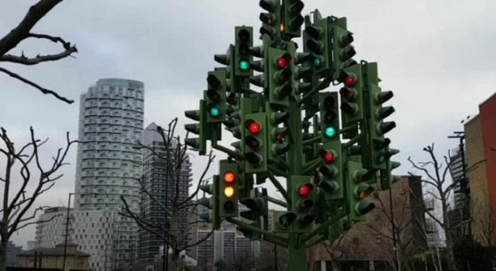Najkonfuzniji semafor na svetu – da li bi vam bilo jasno kada možete proći?