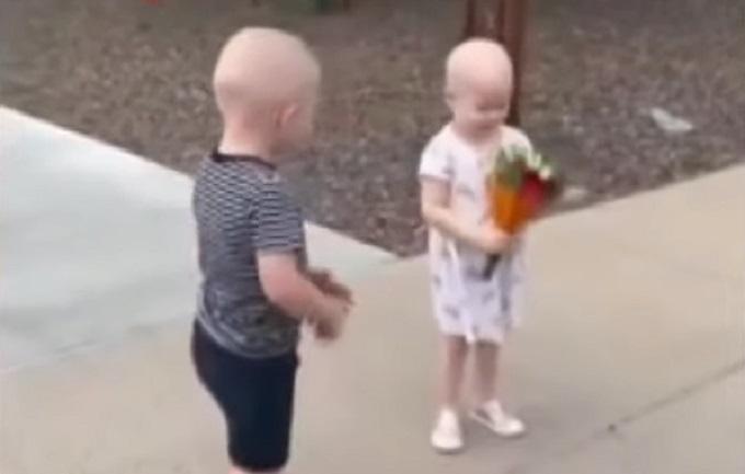 Emotivan susret trogodišnjih prijatelja koji su zajedno pobedili rak