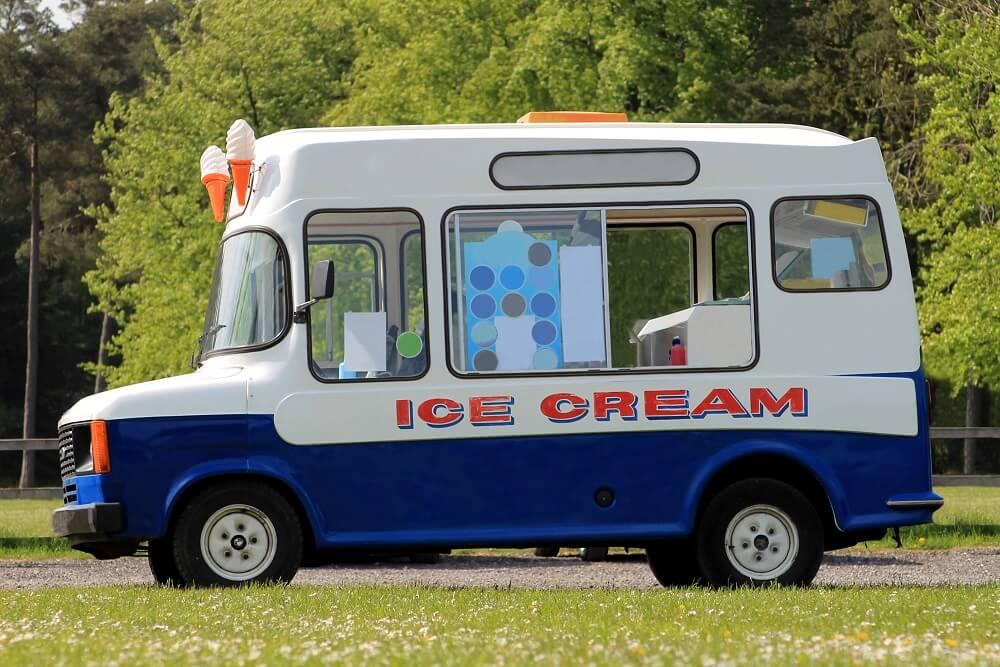 Predivan potez – Čovek kupio kamion za sladoled da bi deca sa Daunovim sindromom mogla da rade