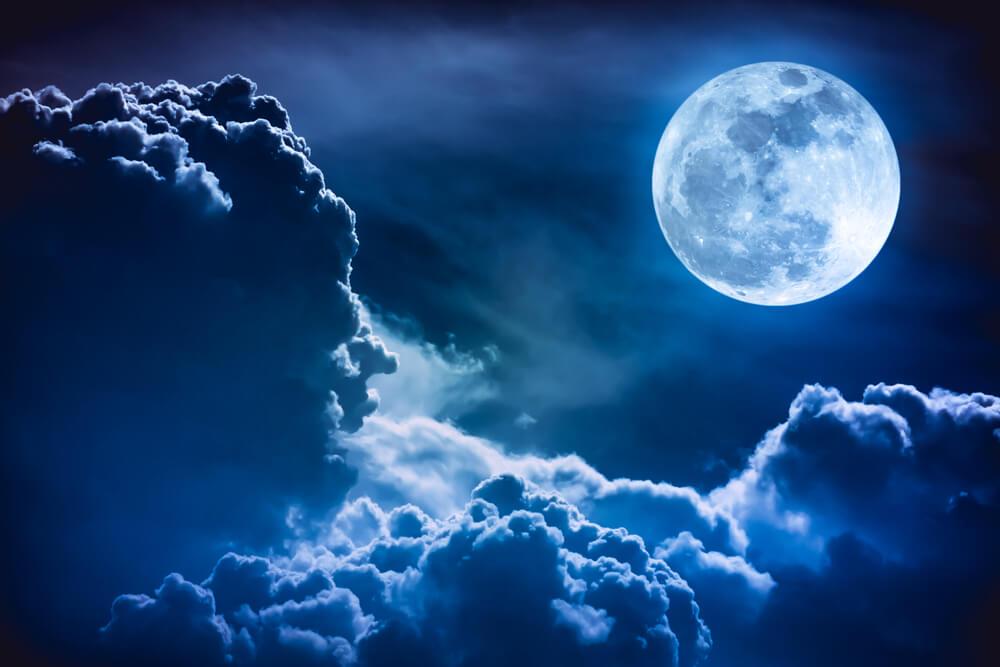 Da li znate šta je to plavi mesec i kada se javlja?