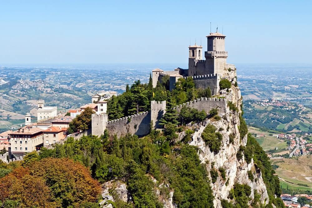 Zablude o malim zemljama – Da li u Vatikanu žive samo sveštenici, a u Monaku samo bogataši?