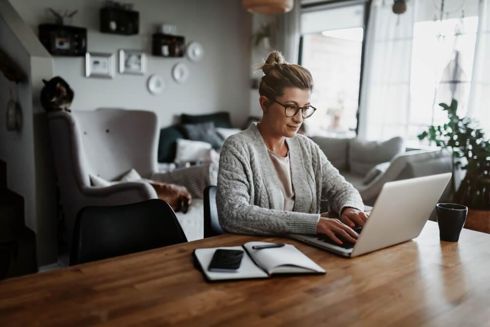Smanjite rizik od zdravstvenih problema – Evo nekoliko načina da ostanemo zdravi dok radimo sedeći za računarom